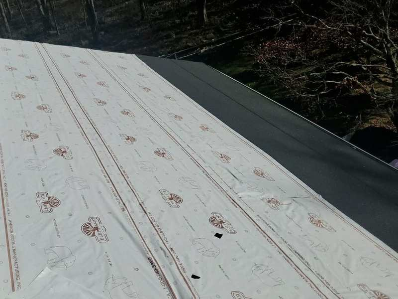 Missing roof underlayment is a sign of a bad roofing job